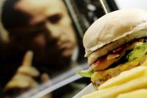 🍔 Entrega e Delivery de Hambúrguer no bairro Itapoã. Está a procura de entrega e Delivery do melhor hambúrguer do bairro Itapoã?