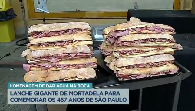 Mercadão de SP fez sanduíche de mortadela de 467 metros e bolo gigante